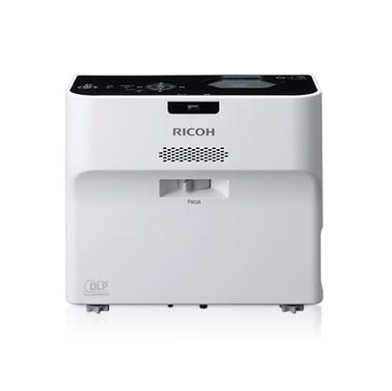RICOH 超短焦点 インタラクティブ内蔵 3500lm
